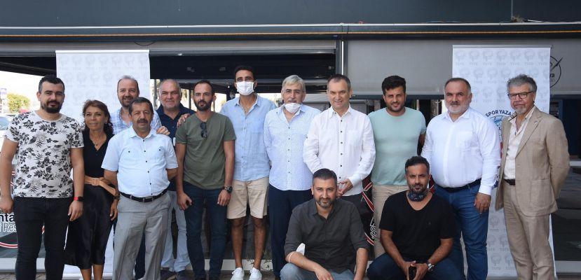 İzmir'de voleybol heyecanı