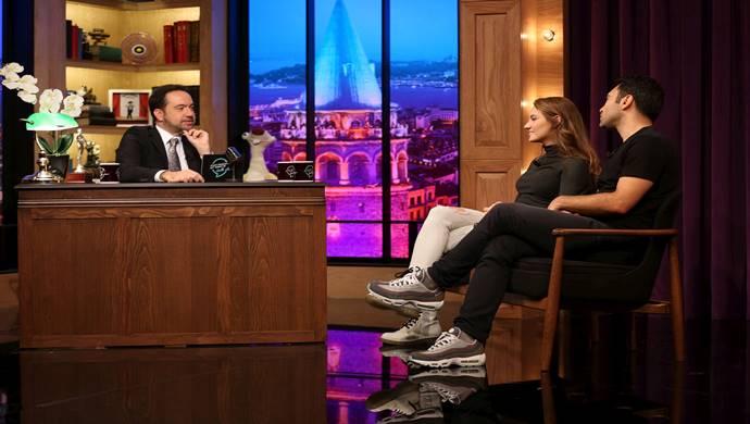 İki yıldız oyuncu Emrah Kaman ile Eslem Akar: Alt Tarafı Bi' Talk Show'a Konuk Oluyor