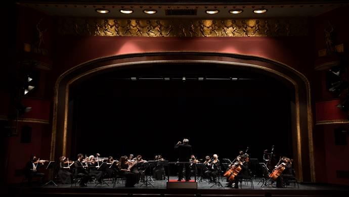 Pandemi Orkestrası, Kadıköy Belediyesi Süreyya Operası'nda ilk kez sahne aldı