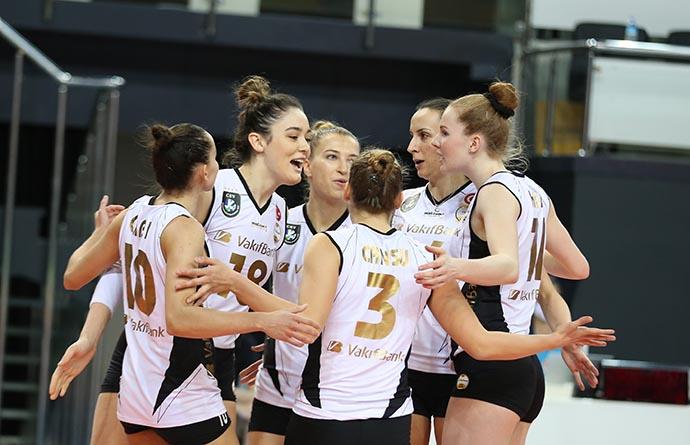 VakıfBank, Kupa Voley'de Dörtlü Finale kalarak büyük bir başarıya imza attı