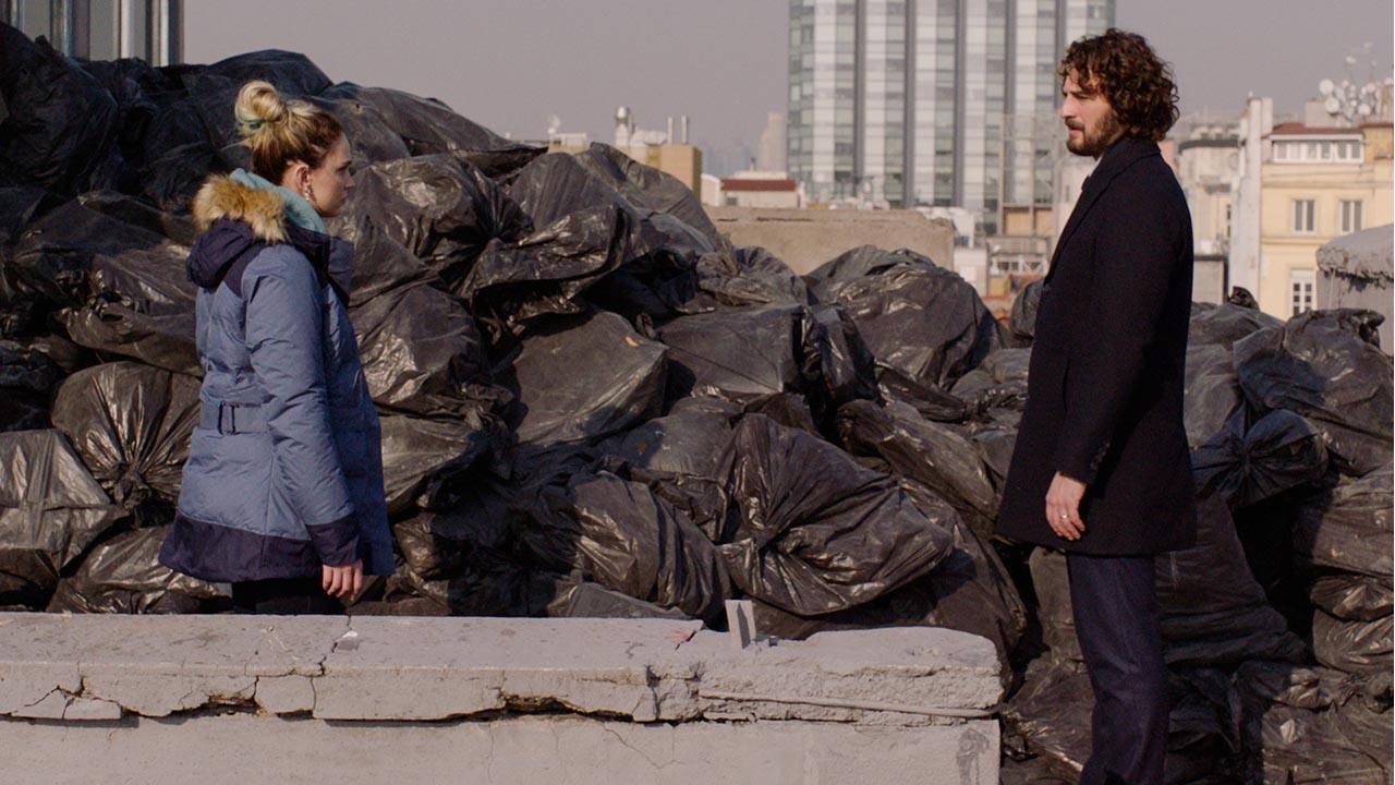 Masumlar Apartmanı'nda çöp daire açılıyor!